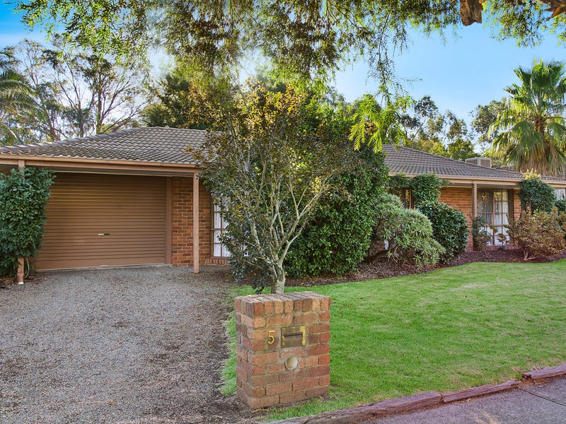 5 Calmsden Street, Kilsyth South, Vic 3137