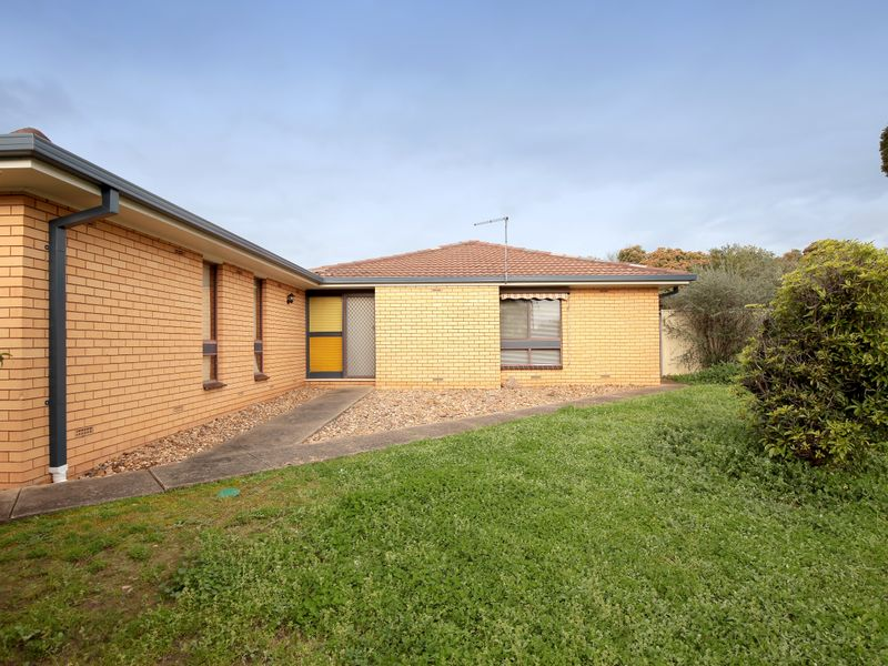 Unit 1/2 Bavaria Street, Tolland, NSW 2650