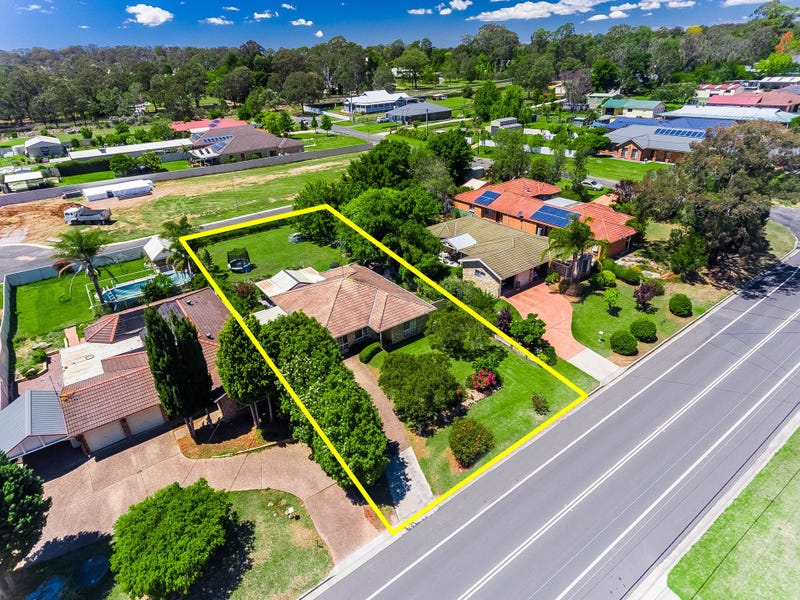 10 Westbourne Avenue, Thirlmere, NSW 2572
