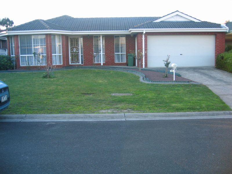 31 Thomas Place, Pakenham, Vic 3810