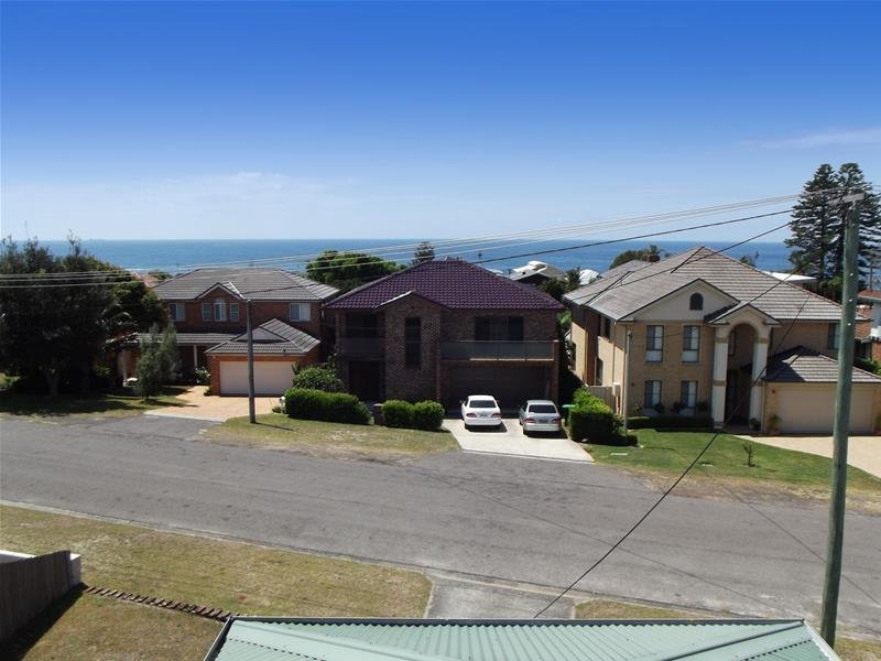 43 Currawong Street, Blue Bay, NSW 2261