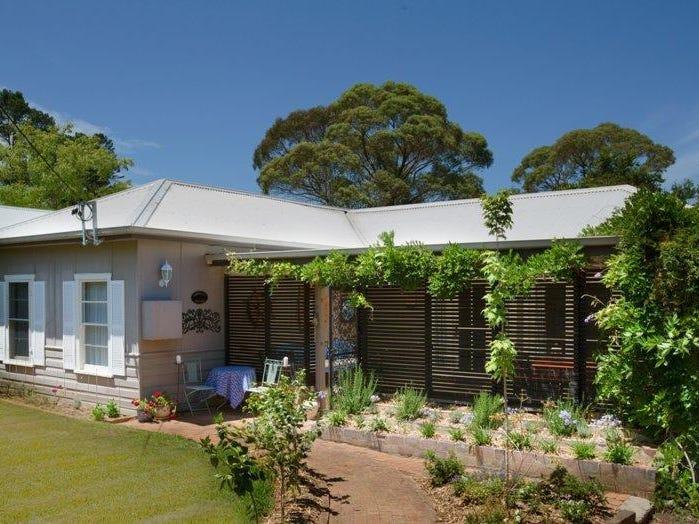 8 Barnett Avenue, Bundanoon, NSW 2578