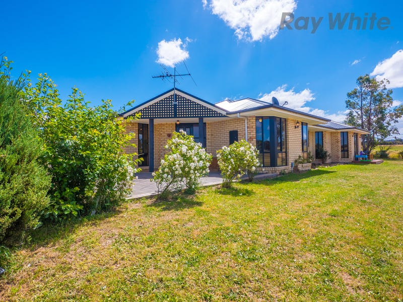 8 Lake Street, Oatlands, Tas 7120