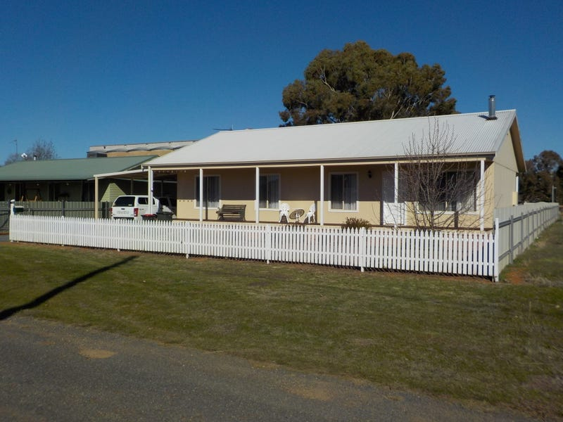 11 William Street, Old Junee, NSW 2652