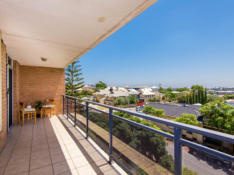 18/46 EAST STREET, East Fremantle, WA 6158