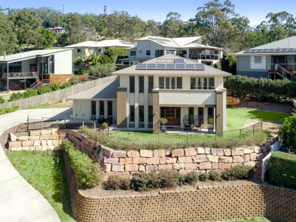17 Coventry Court, Mount Lofty, Qld 4350