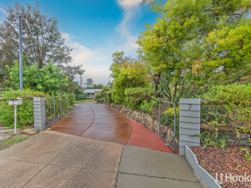 7 Brush Court, Canning Vale, WA 6155