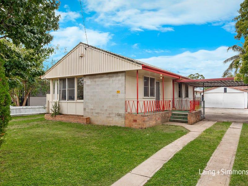 17 Gasmata Crescent, Whalan, NSW 2770