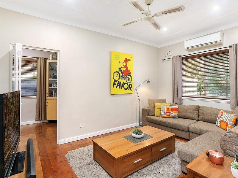 220 Gladstone Avenue, Mount Saint Thomas, NSW 2500