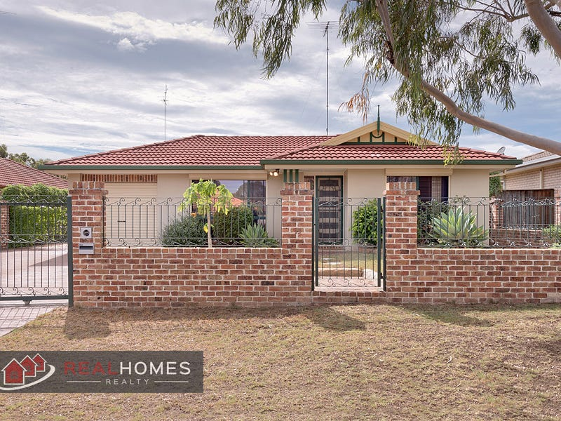 19 Muirfield Crescent, Glenmore Park, NSW 2745