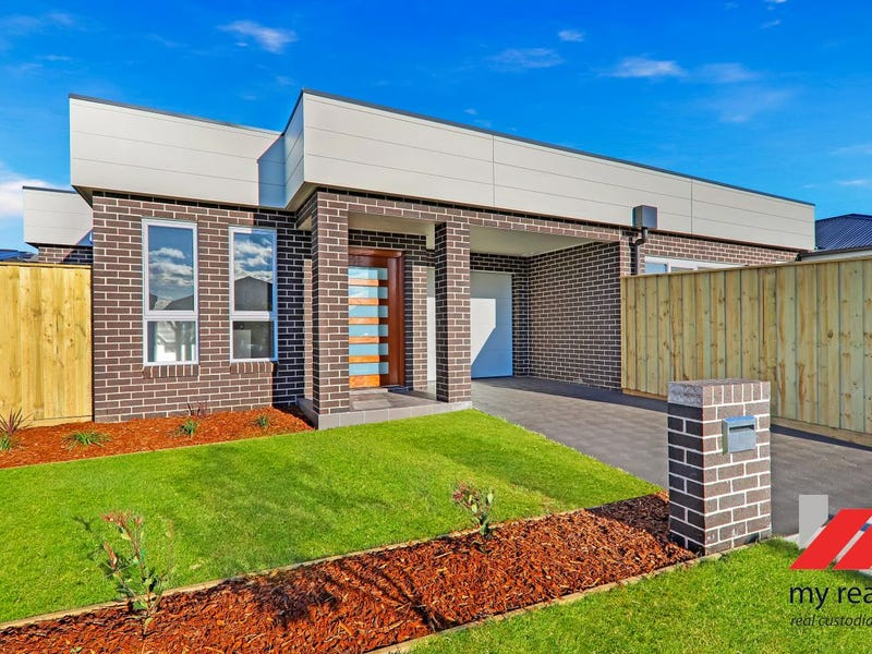 30  Rodwell Road, Oran Park, NSW 2570