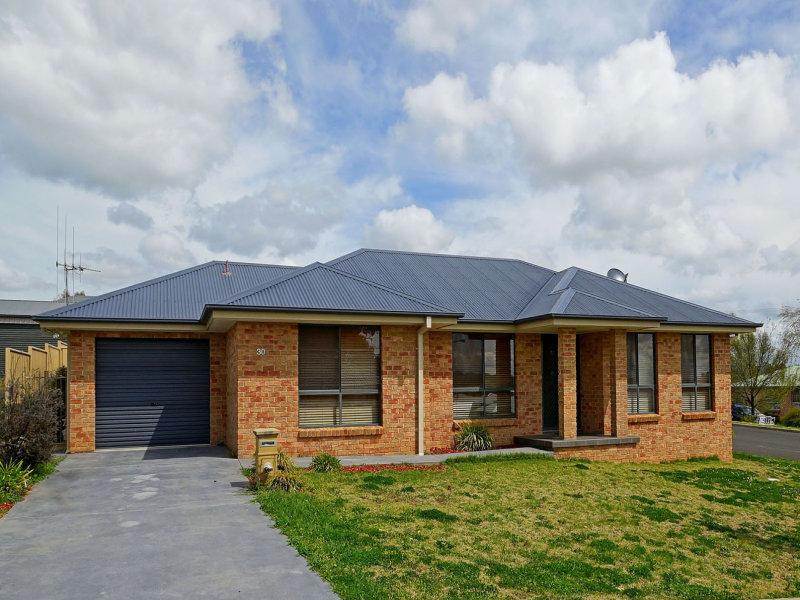 30B Bert Whiteley Place, Orange, NSW 2800