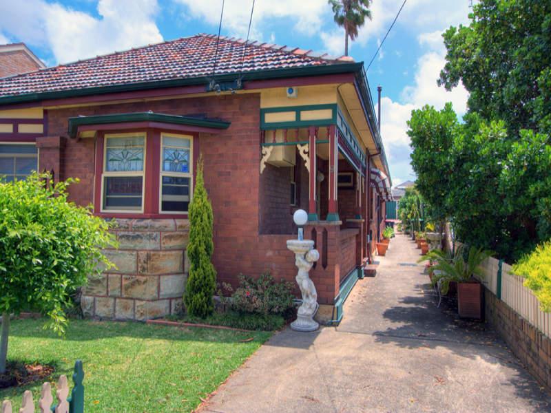 9 Lewins Street, Earlwood, NSW 2206