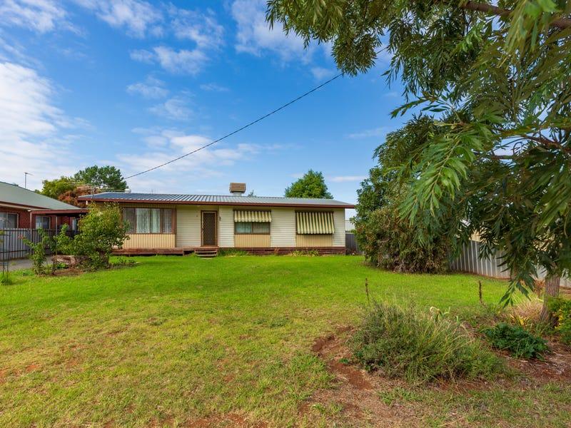 6 Third St, Henty, NSW 2658