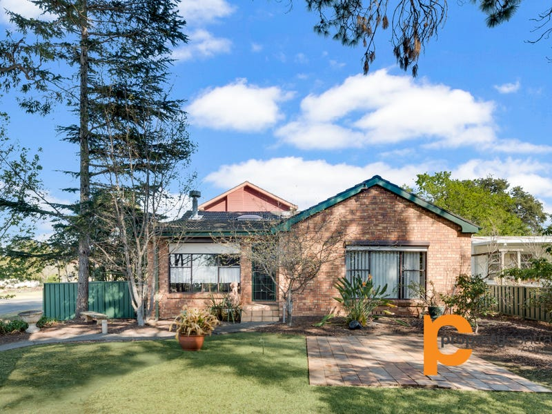 20 Green Parade, Valley Heights, NSW 2777