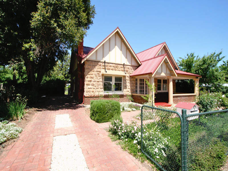 1 Merlon Avenue, Black Forest, SA 5035