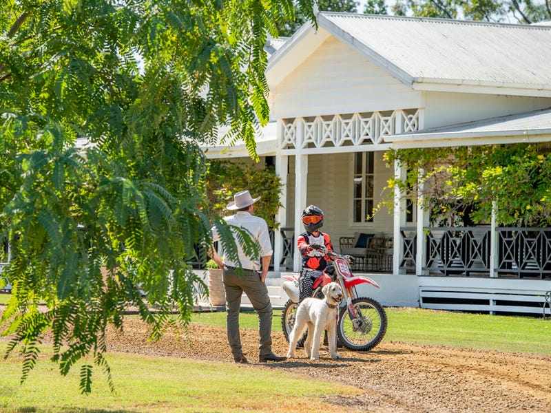 2 Hubner Road, Forest Hill, Qld 4342