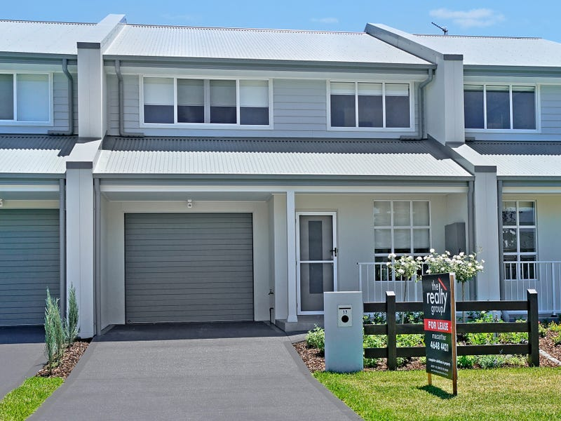 17 Orchard Avenue, Cobbitty, NSW 2570