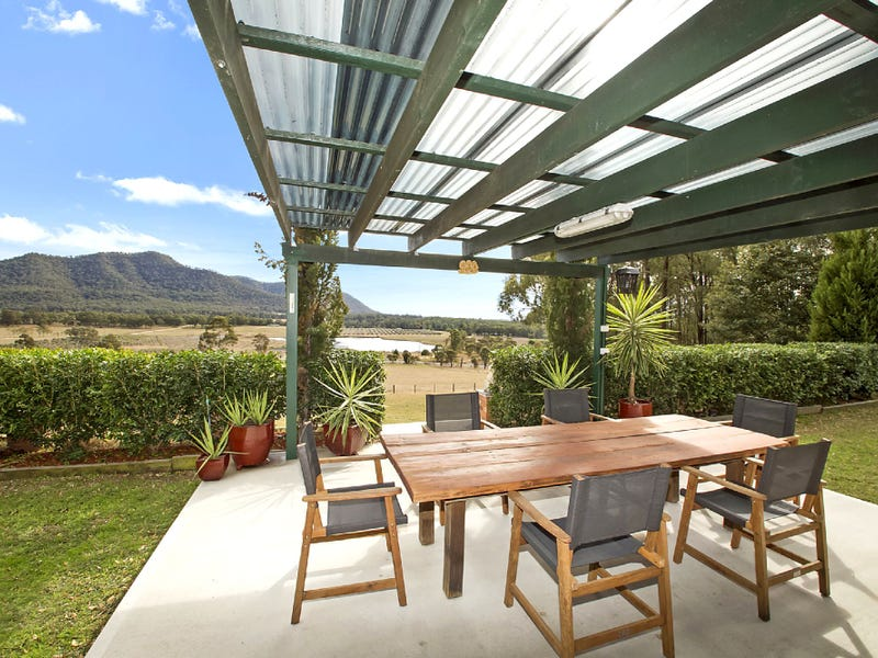 515 WOLLOMBI RD, Broke, NSW 2330