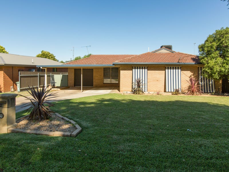 19 Gregory Crescent, Lake Albert, NSW 2650