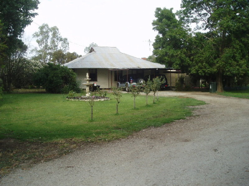 4 KOW SWAMP ROAD, Leitchville, Vic 3567