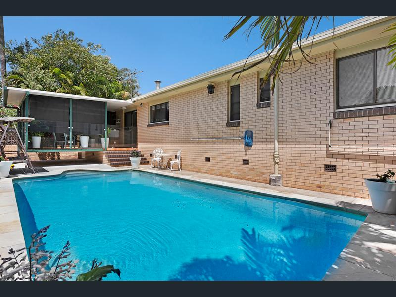8 HINCKLEY STREET, Manly West, Qld 4179