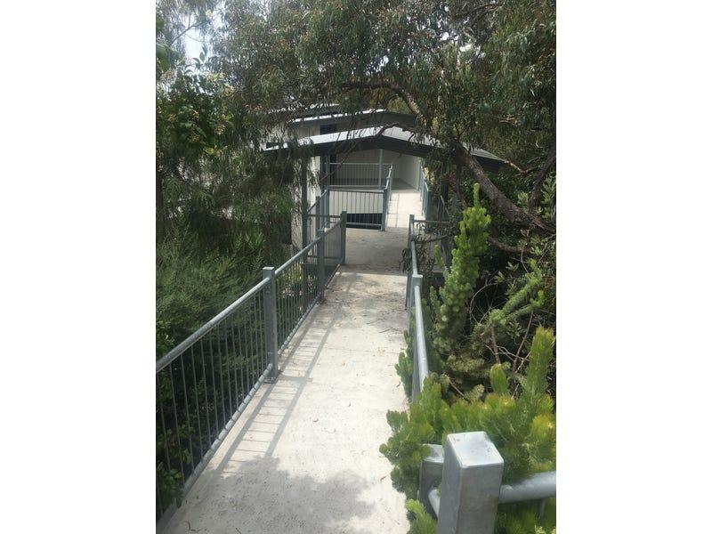 1/15 Hopetoun Terrace, Lorne, Vic 3232