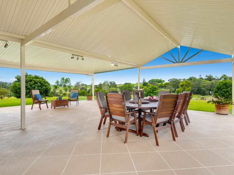 8 Don Lee Close, Armstrong Creek, Qld 4520