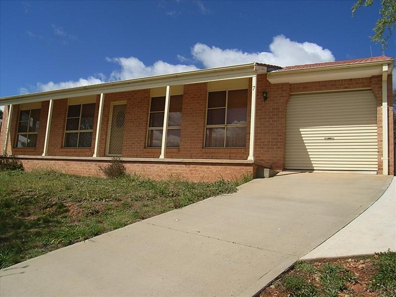 7 Patrick Close, Blayney, NSW 2799