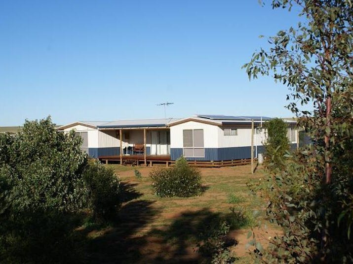 Address available on request, Moonyoonooka, WA 6532