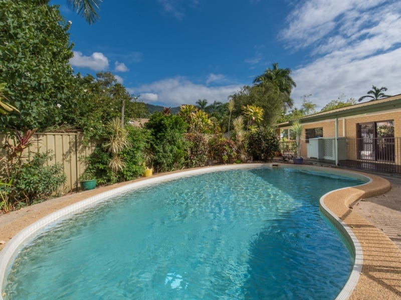 1 Cantal Close, Smithfield, Qld 4878