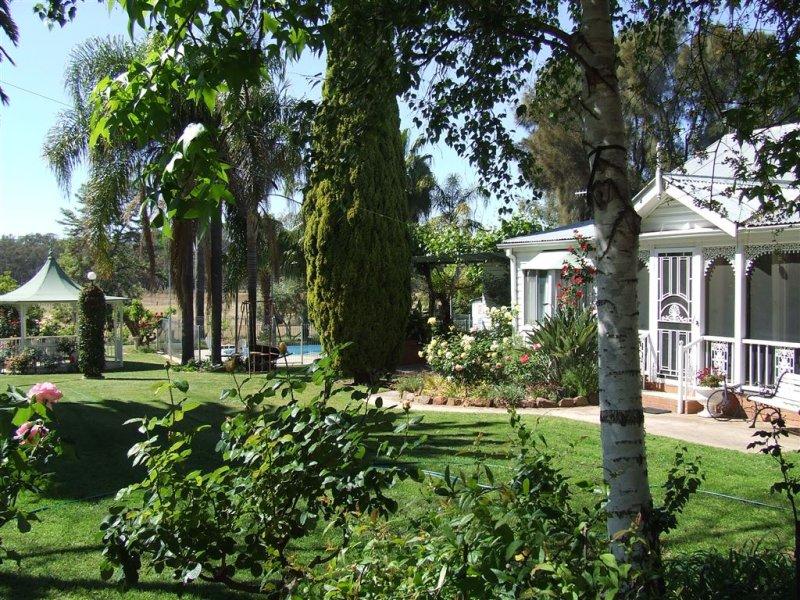 - Parkwood and Brimbla, Narrandera, NSW 2700