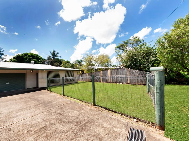 2/2 Pearl Close, Bayview Heights, Qld 4868