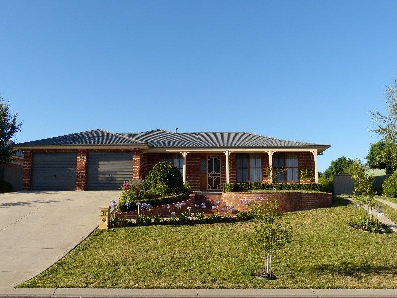 48 Darwin Drive, Llanarth, NSW 2795