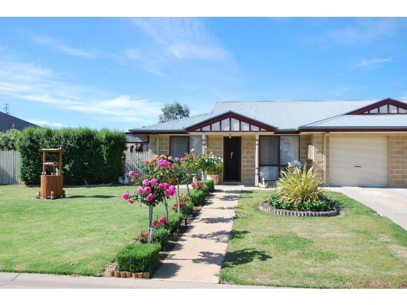 4 Victoria Avenue, Barooga, NSW 3644