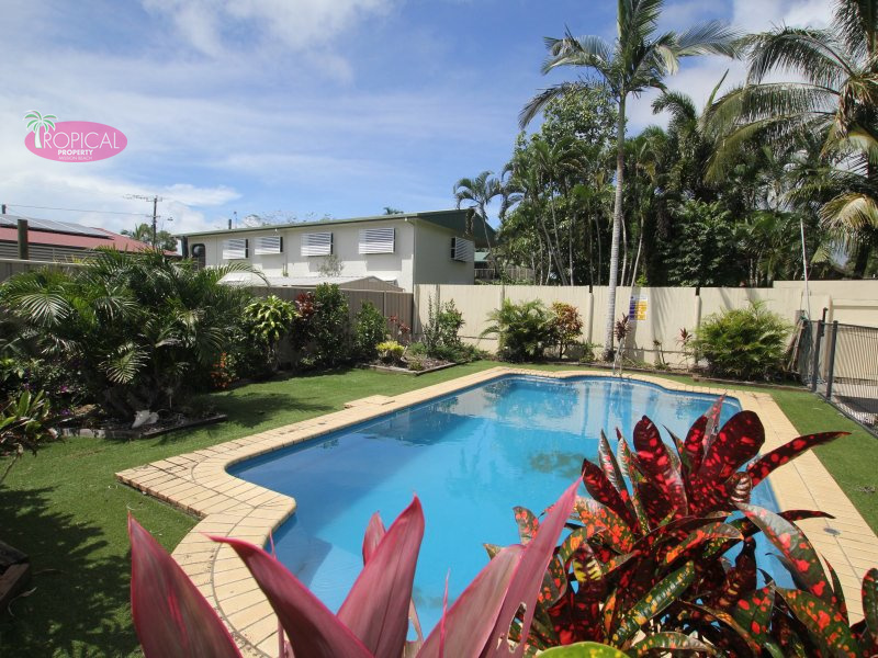 12 Holland St, Wongaling Beach, Qld 4852