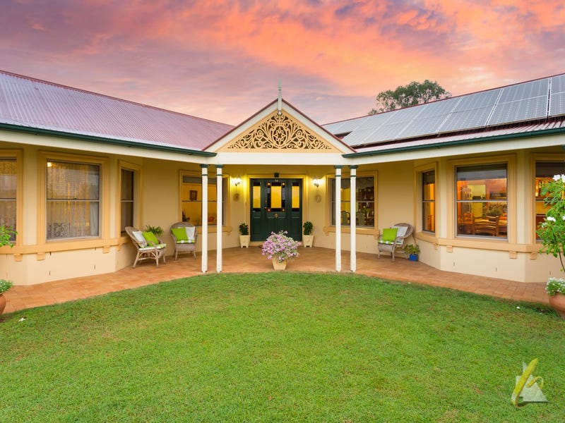 14 Preston Place, Brookfield, Qld 4069