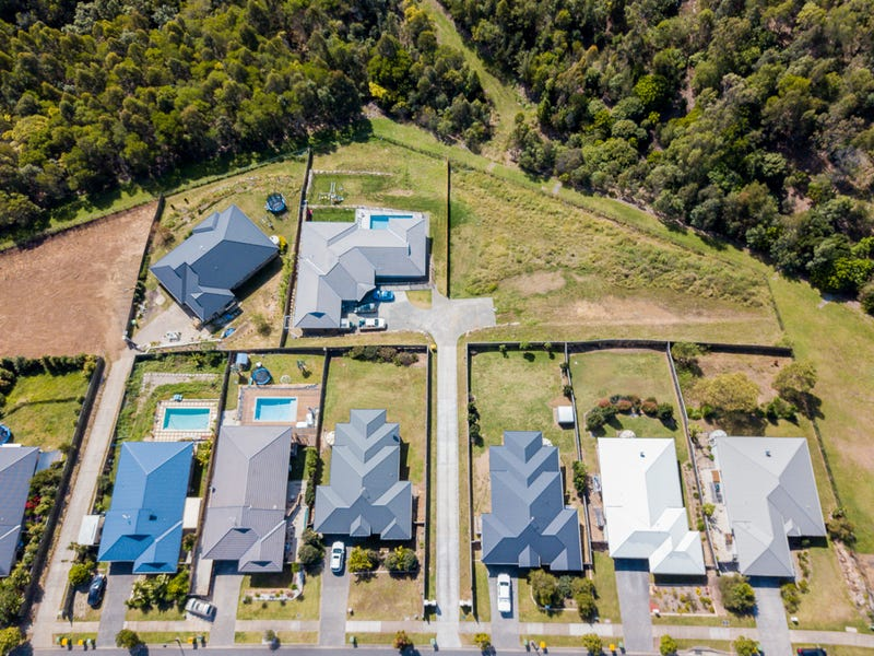 21 Diamantina Circuit, Pacific Pines