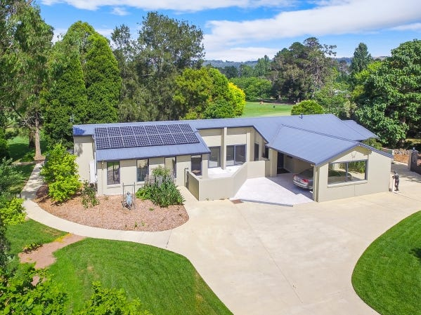 83 Kangaloon Road, Bowral, NSW 2576