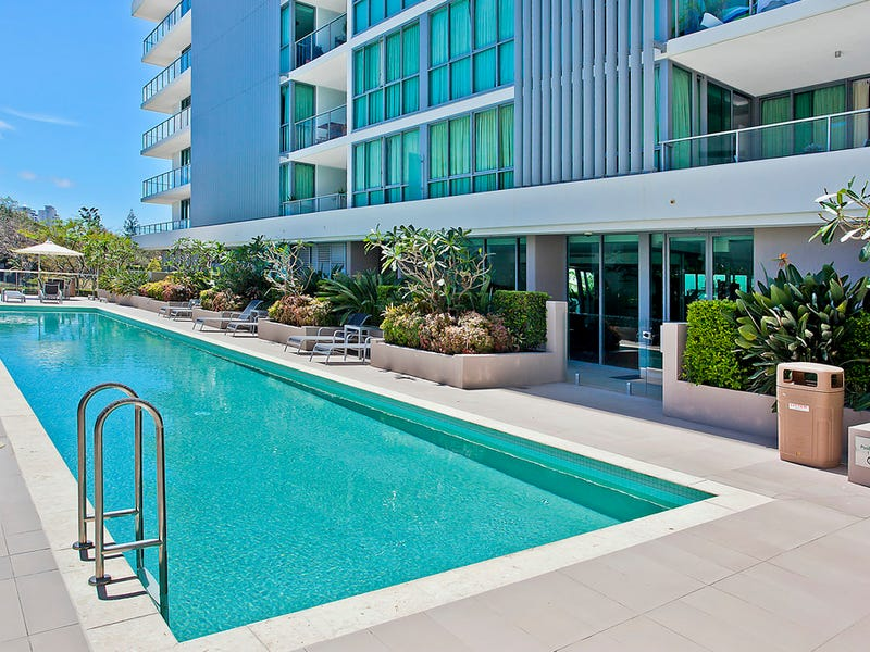 2003/33 T E Peters Drive, Broadbeach Waters, Qld 4218