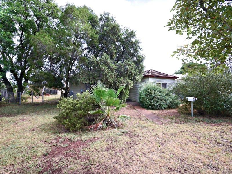 13 Trelanvean Street, Dubbo, NSW 2830