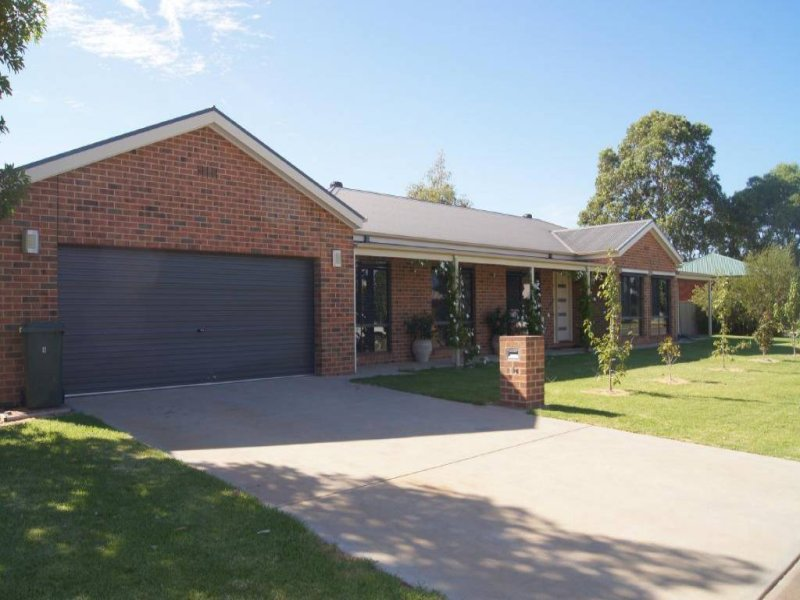 6 Bundoora Ave, Jerilderie, NSW 2716