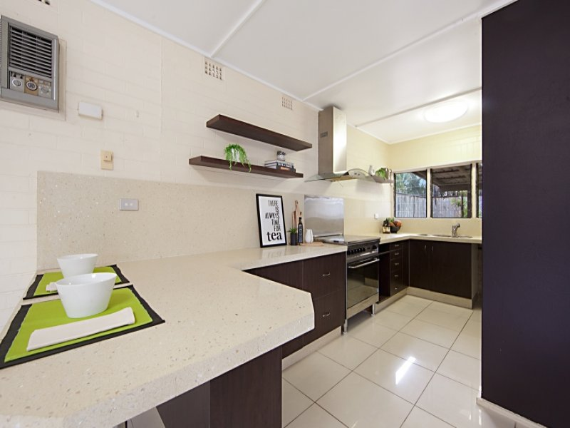 17 Fantome Street, Rowes Bay, Qld 4810