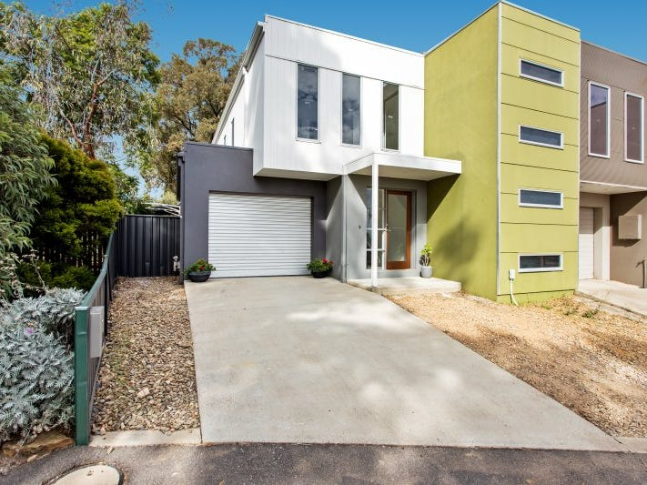 2C Flora Lane, Flora Hill, Vic 3550
