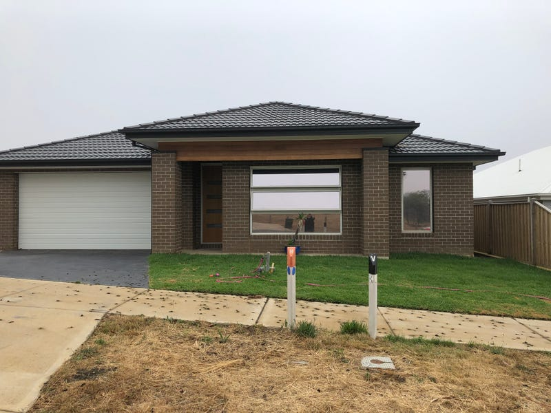 16 Doyeswood Drive, Woodend, Vic 3442