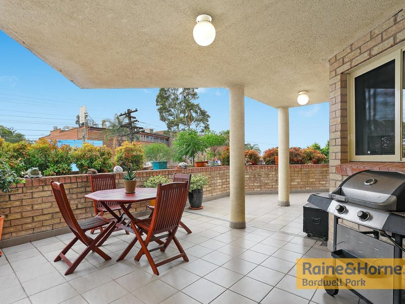 2/1 Hillview Street, Roselands, NSW 2196