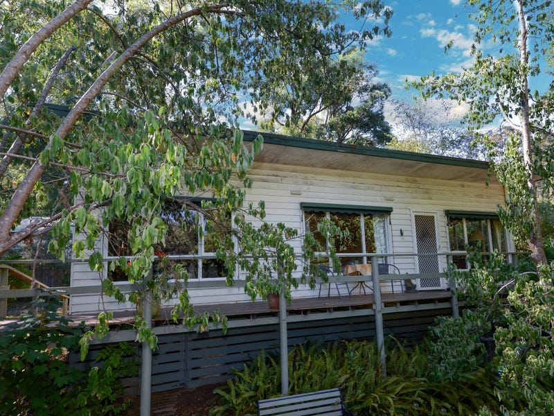 17 Rupert Road, East Warburton, Vic 3799