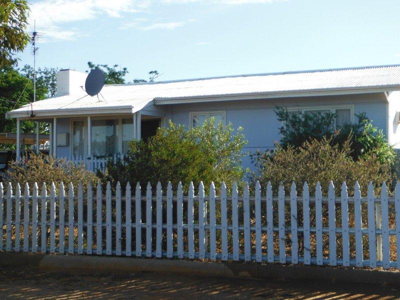 26 Railway Avenue, Carnamah, WA 6517