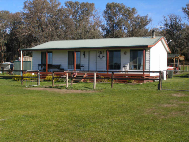31 Johnsons Lane, Seaton, Vic 3858
