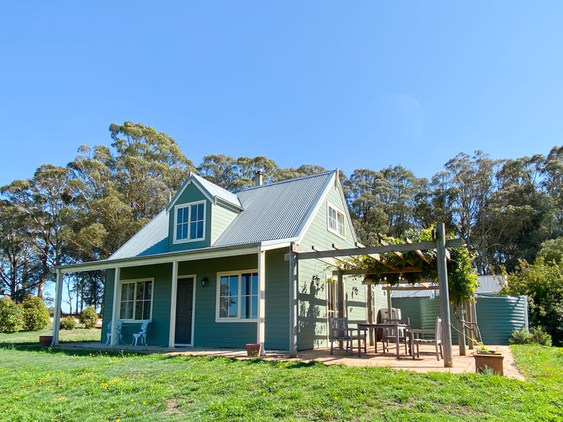 32 Chapmans Lane, Black Springs, NSW 2787